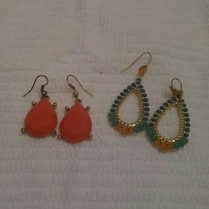 Bunch of Francesca's Collections dangle earrings